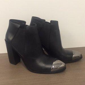New black Senso booties!